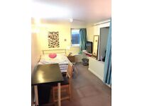 1 DOUBLE BEDROOM WITH ENSUITE TO RENT IN SHARED HOUSE. AVAILABLE NOW-30TH JUNE.