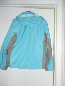 Spring / Fall Jacket Size Ladies M with detachable hood West Island Greater Montréal image 2