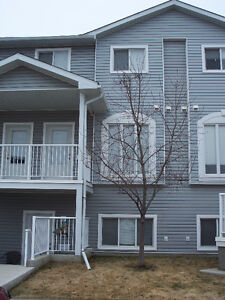 3 Bed Town House Style Condo, Northlands Pointe Medicine Hat.