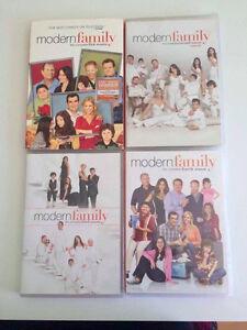 Modern Family DVD S1-S4