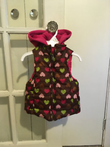 Girls 2T Fall vest in good condition