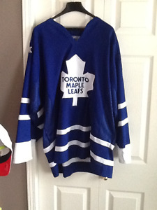 $65.00 OBO Mint Condition XL CCM Toronto Maple Leafs Jersey