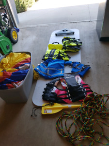 4 person tube / tow rope + more