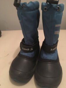 LIKE NEW! KAMIK BOOTS SIZE 12 Kids