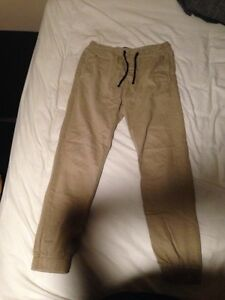 American eagle joggers size medium