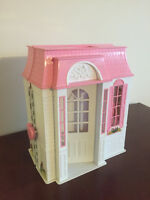 Barbie Doll Vintage Dream House (FoldOut Portable Carrying Case)