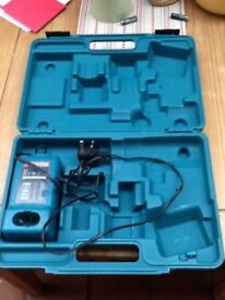 MAKITA DC1414F Charger & CARRY CASE
