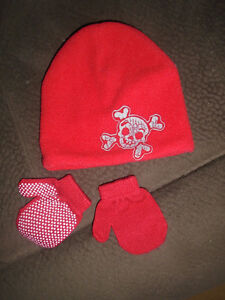 BABY TUQUES, HAT & MITTENS   $3 Size 6 to 24 Months ,