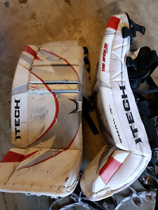 Youth goalie pads 26""