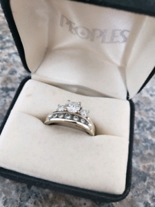 Engagement Ring & Wedding Band