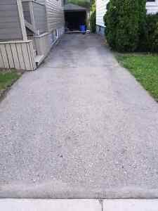 Quality exterior services - pressure washing, driveway sealing London Ontario image 6