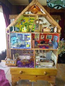 maison de poupée en bois avec lumière, meublé et personnage