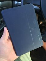 iPad Mini 2 (retina display) w/ extras