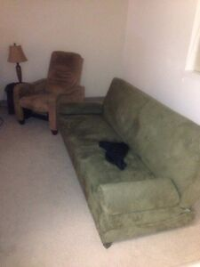 Futon ( turns to bed ) love seat reclining