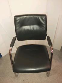 Mobili office visor chair