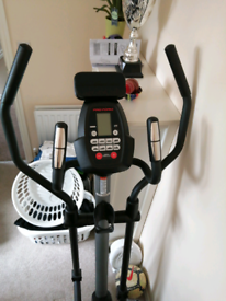 Pro form 225 CSE cross trainer