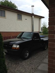 1999 Ford Ranger XLT Pickup Truck REDUCED - MUST SELL London Ontario image 6