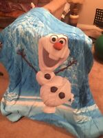 Olaf Comforter and sheet set with Frozen wall art