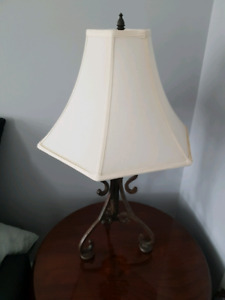 Set of 2 vintage table lamps