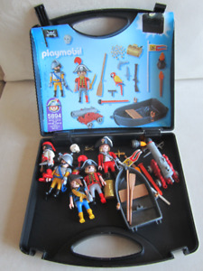 Playmobil Pirate Case & Extra Pirates(Peg leg & pirate hook arm)