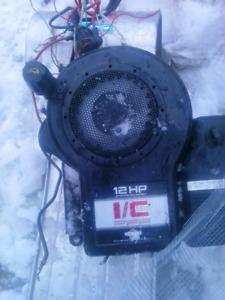 Briggs and stratton 12  horse side shaft gas motor