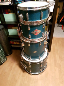 Amazing vintage Gracy drums. 1969 in great shape