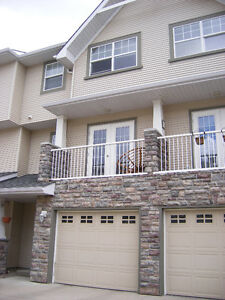 Beautiful townhouse in Inglewood, perfect for DT professionals