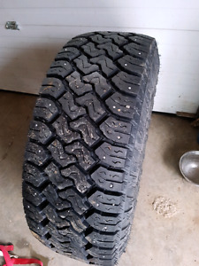 35 x 12.50 x17Toyo open country  studded winter tires