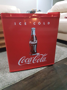 Coca cola mini-fridge
