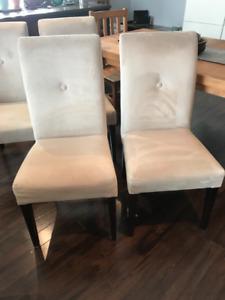Set of 4 velvet dining chairs