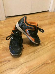 Easton baseball cleats size 13youth