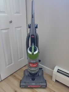 Bissell Upright Bagless Vacuum Cleaner with attachments