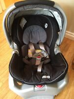 Graco Infant Snugride Car Seat and Base