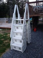 Above Ground Pool Ladder / Stairs