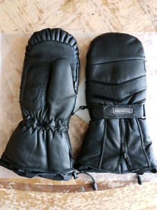 Snowmobile leather mitts. New with tags.
