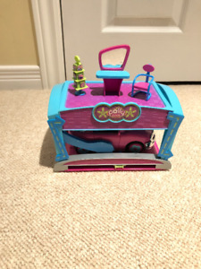 **Polly Pocket Car Drive-Thru**REDUCED