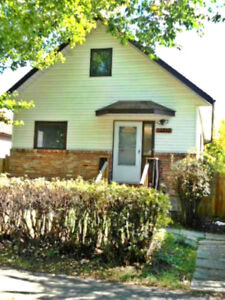 CHARACTER 3-BDRM HOME WITH LARGE BACKYARD IN CALDER