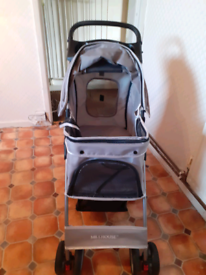 Dog carrier push chair