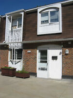 DDO 3 bedroom condo/townhouse