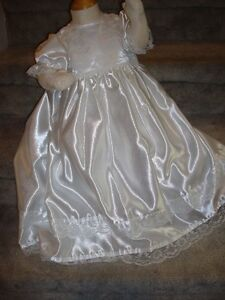 Christening Gown NEW 18m Peterborough Peterborough Area image 3