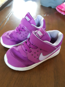 Espadrilles bébé Nike taille 7