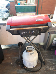 Coleman NXT BBQ with propane tank