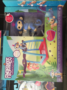 Authentic Fingerlings Playset BRAND NEW with 1 MONKEY. REDUCED!!