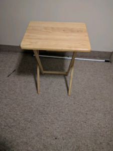 Foldable wooden table in new condition