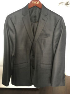 KENNETH COLE MEN'S SUIT - BRAND NEW- WORN ONCE! SIZE 34