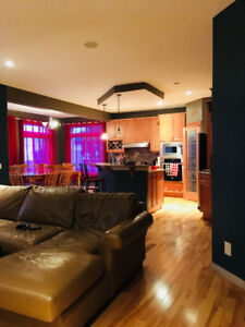 4 bed Executive upper house for rent - pet friendly