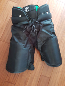 Men's size xl Tron hockey pants new.