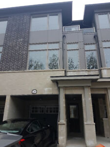 Oshawa – Townhouse for Short-term rent (all inclusive)