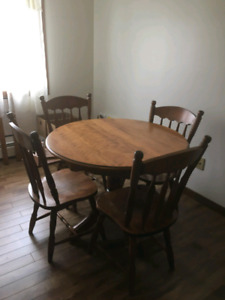Kitchen table great condition