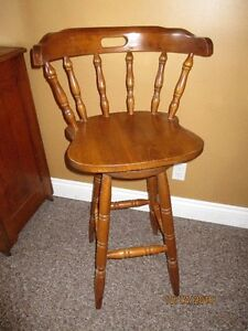 Bar / Kitchen Stool with swivel seat